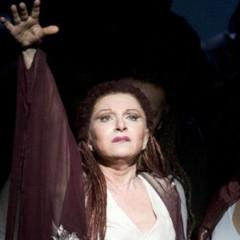 """Mariella Devia, la última gran diva del belcanto canta """"Lucrezia Borgia"""""""
