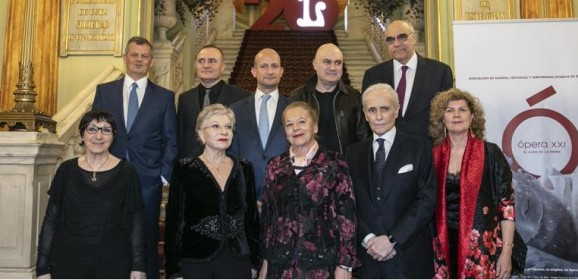 """Mariella Devia canta """"Lucrezia Borgia"""" en los Premios Líricos"""